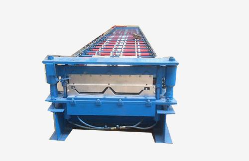 470型彩钢压瓦机